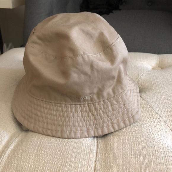 cbb0faf1743 Burberry Accessories - Burberry reversible bucket hat